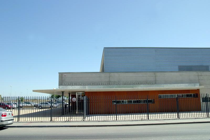 Piscina cubierta municipal - Piscinas cubiertas sevilla ...