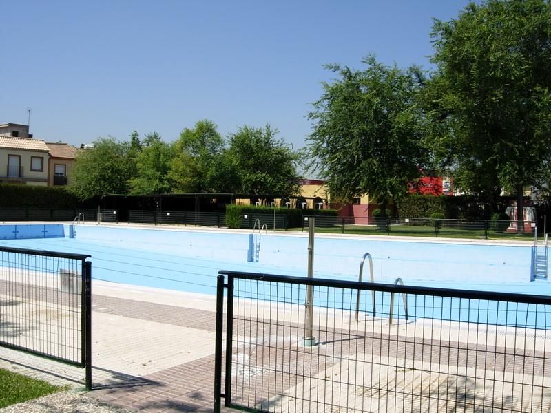 Piscina de la rinconada perfect piscina de la casa rural for Piscina la rinconada